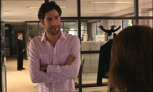 Tom-Ellis-Monday-Monday-01x01-25881