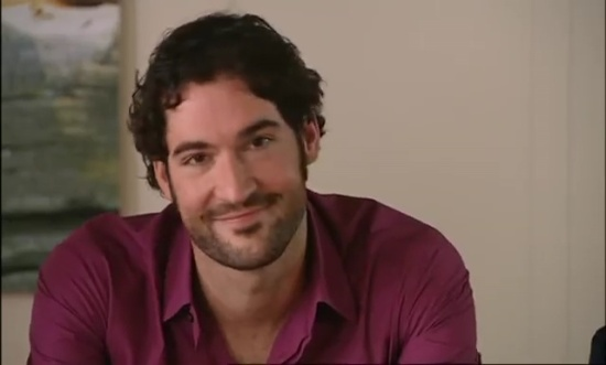 Tom-Ellis-Monday-Monday-01x02-47341