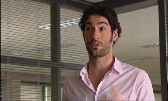 Tom-Ellis-Monday-Monday-01x07-07681