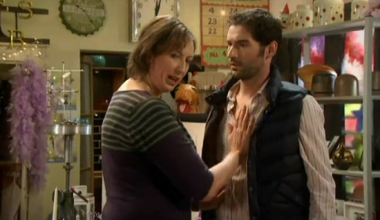 tom ellis miranda 2x02 -05531
