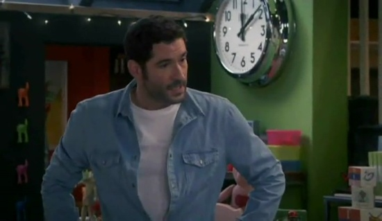 Tom Ellis Miranda 4x01 - 39881
