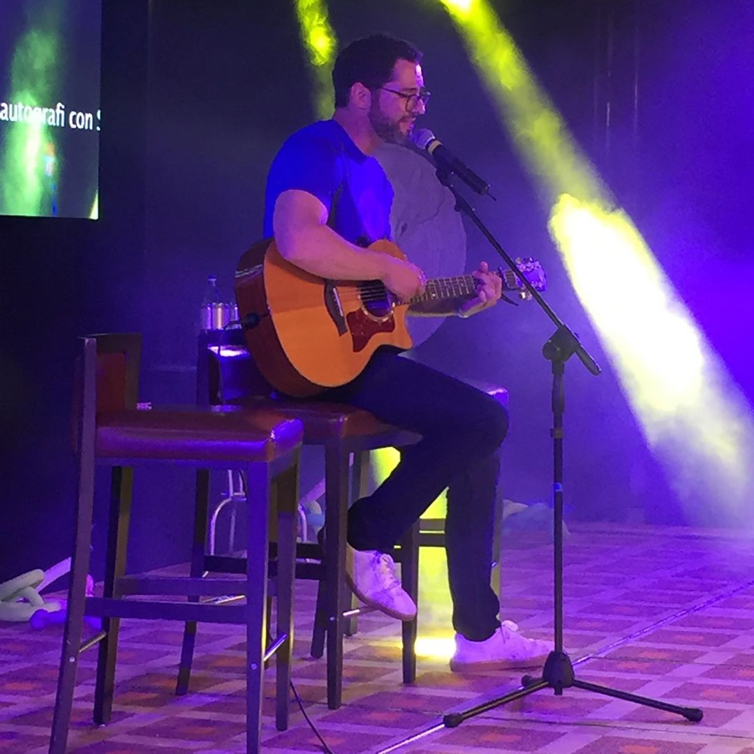 New Tom Ellis Bts Pictures And Videos Lucifer Season 4: Pictures And Videos Of Tom Ellis At JIBLand4 Part 2
