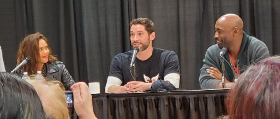 lucifansgroup1 Tom Ellis MCCC19 (5)