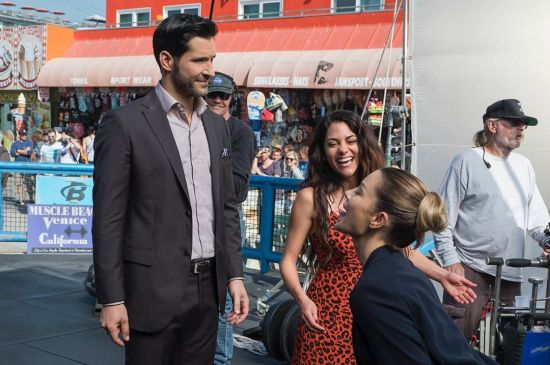 lucifernetflix LuciferS4promoBTS Tom Ellis (3)